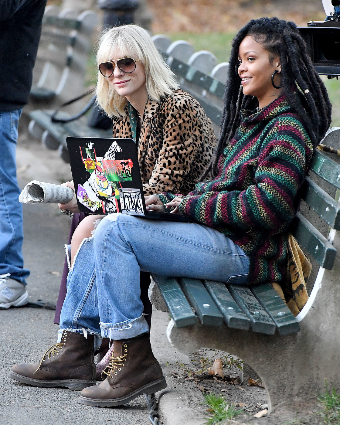 rihanna-and-cate-blanchett-sit-on-a-park-bench-in-central-park-during-filming-of-oceans-8-in-4.jpg